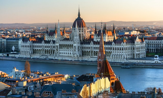 اقامت مجارستان از طریق ثبت شرکت